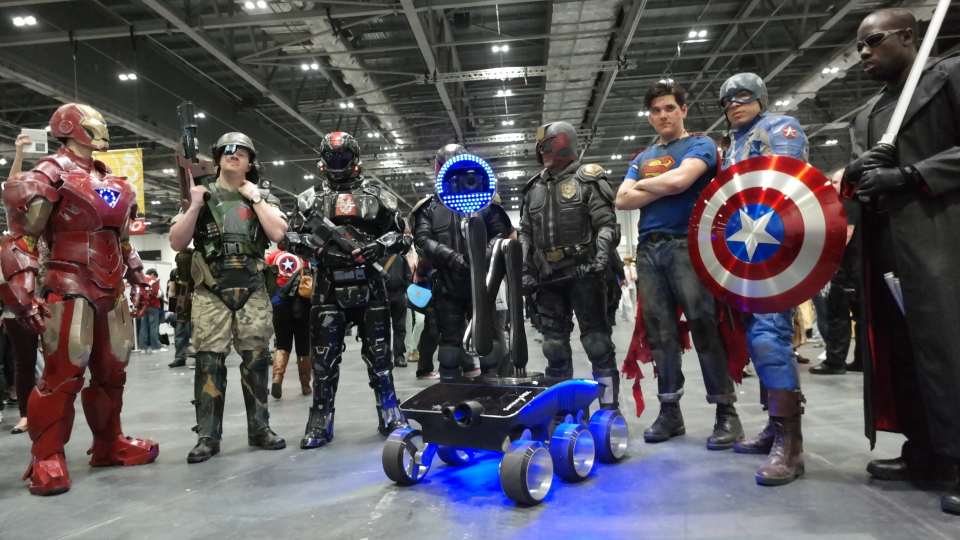 comiccon-group-large